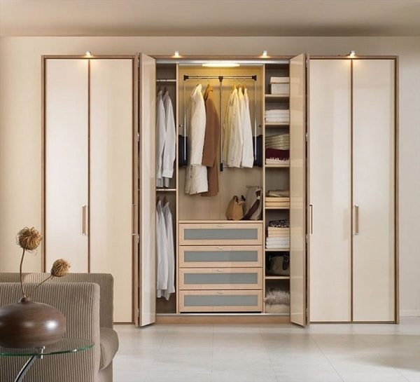 Tủ quần áo dễ dàng bài trí trong phòng ngủ
